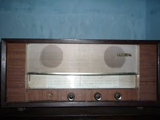 Radio Kayu Philips England