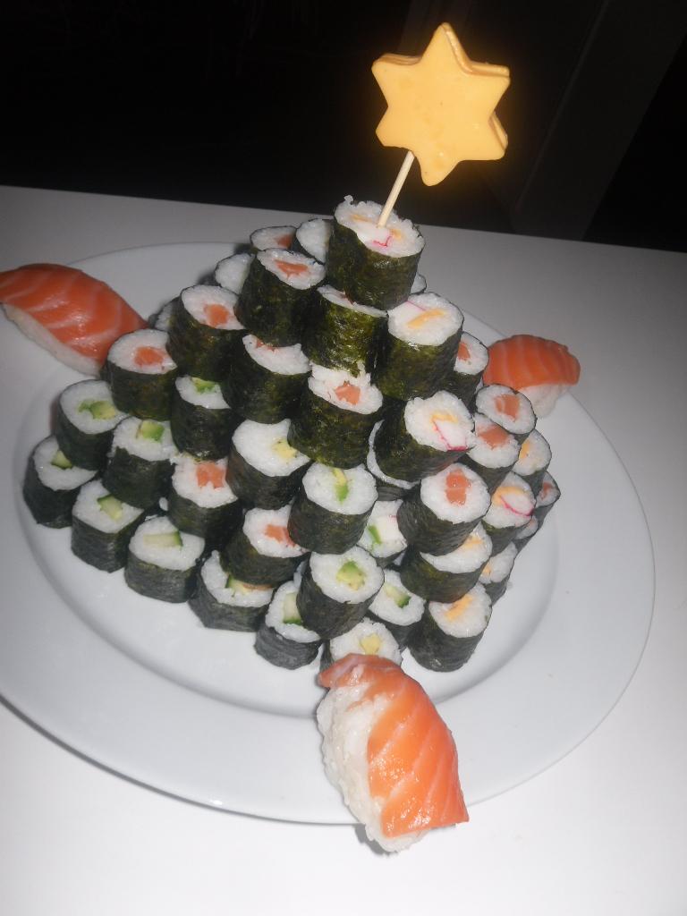 Sushi kerstboom - Idee decoratie voorgerecht ...