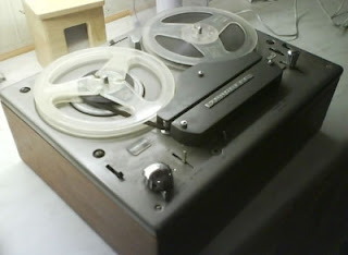 Tape Recorder. Image taken from http://www.devicepedia.com/gadgets/top-10-old-gadgets-i-would-use-at-least-once-again.html