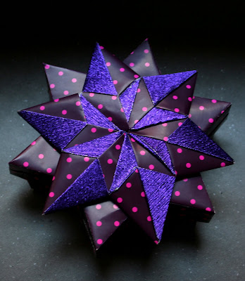 POINTED STAR ORIGAMI
