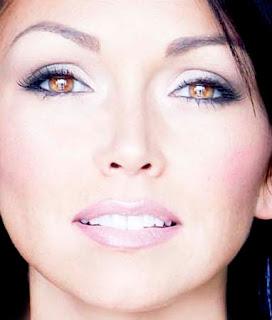 Kandee Johnson Makeup Artist Airbrush Foundation Review