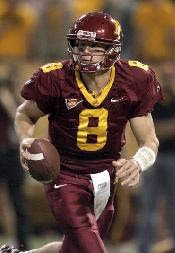 Golden Gophers reciever running the ball
