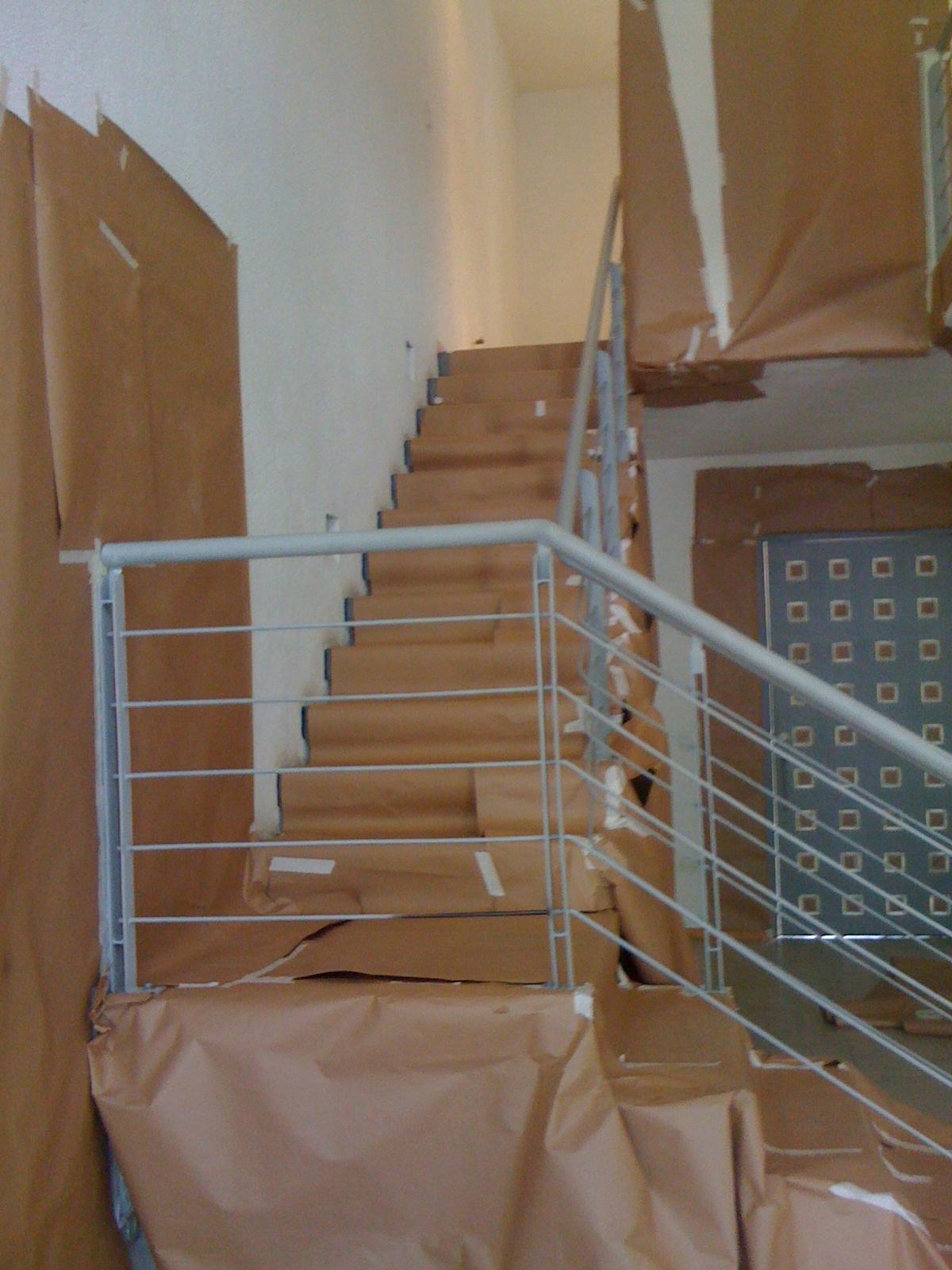 ... barandales de escalera y pasillo en planta alta, barandales de
