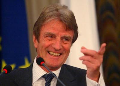 M. Bernard Kouchner