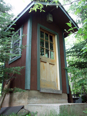 Build Outhouse With No Smells
