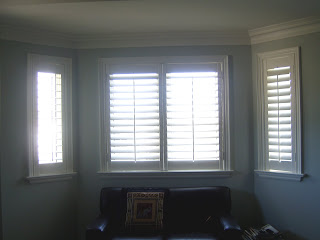 Tobi brockway interiors california shutters vs window for Bay window chaise lounge