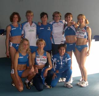 Foto di gruppo per le italiane dei 200 W40