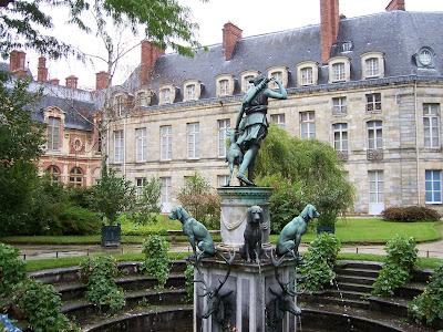 Ámsterdam y el IHS Saint Patrice 1564264009_07ce7126bf_b+fontainebleau