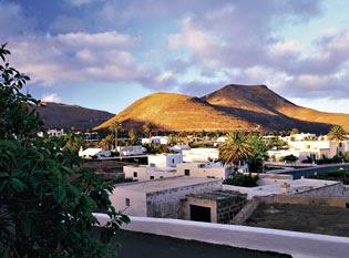Canarias per te notizie a lanzarote guerra dei prezzi for Quattro stelle arredamenti prezzi