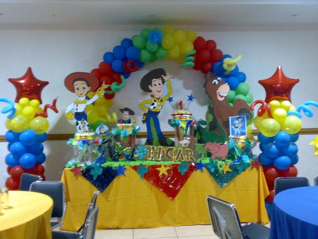 Decoración de fiesta de cumpleaños de toy story - Imagui