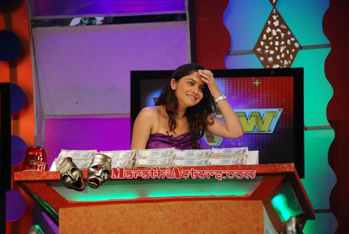 sonalee kulkarni at active wheel present wow tv serial show photos
