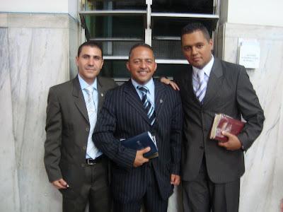Presbitero Sandro e Diacono Cleverton com Pastor Daniel Marcos