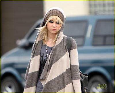 @Everyonelovesme Taylor-momsen-hoodified-08
