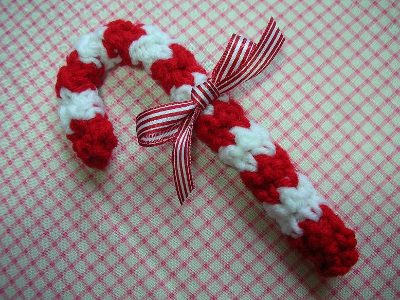 Free Downloadable Christmas Crochet Patterns : Whiskers & Wool: Candy Cane Crochet Pattern - FREE