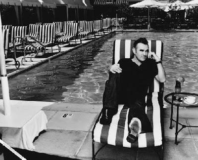 Morrissey, Mozzer, pool side