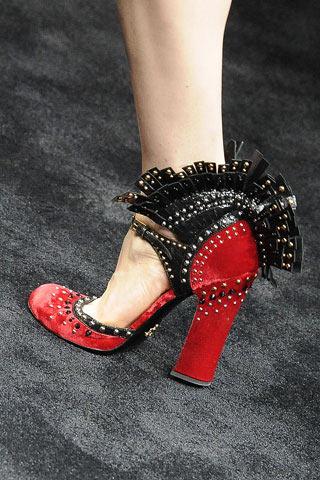 [shoe4.jpg]