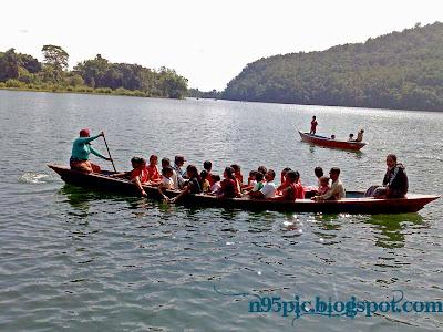 boating in fewa lake