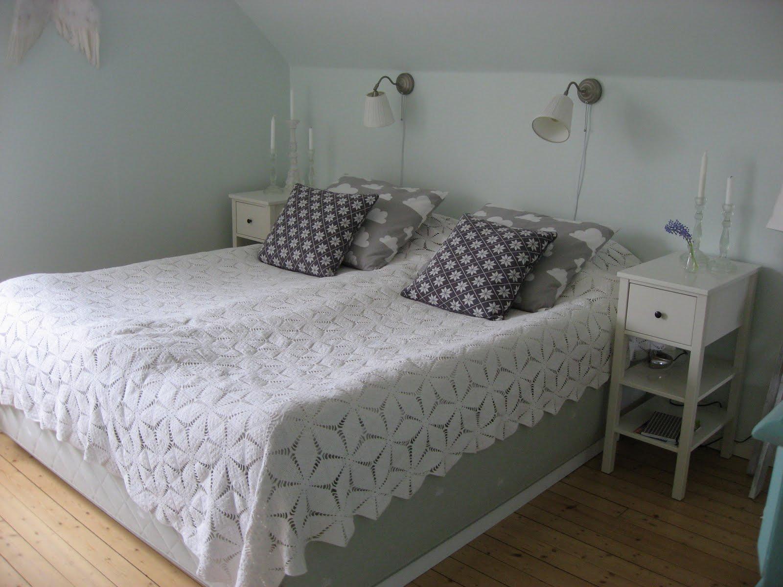 Vacker i brunt: vårat sovrum!