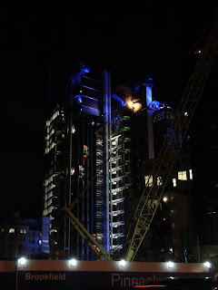 Photo by Rullsenberg: Lloyds Building by night