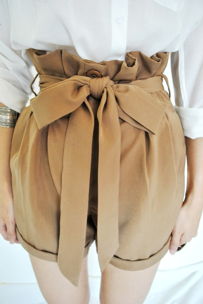 Queen La Moss Structured Paper Bag High Waisted Shorts