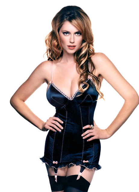 Diora-Baird-1-for-guess-hot.jpg