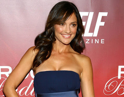 minka kelly weight and height.