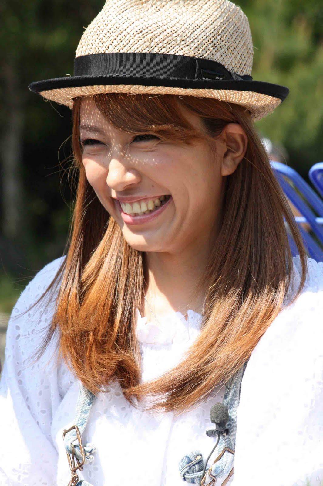 里田まいの画像 p1_16