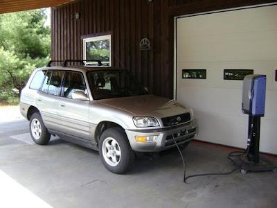 Auto elettriche sconosciute: Toyota RAV4EV