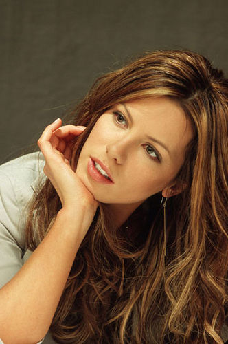 Celebrity Kate Beckinsale Fashinable Hairs 05