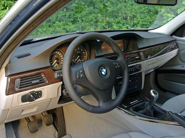 BALLY&KRUGLIAK INC: BMW 325i Touring (2006)