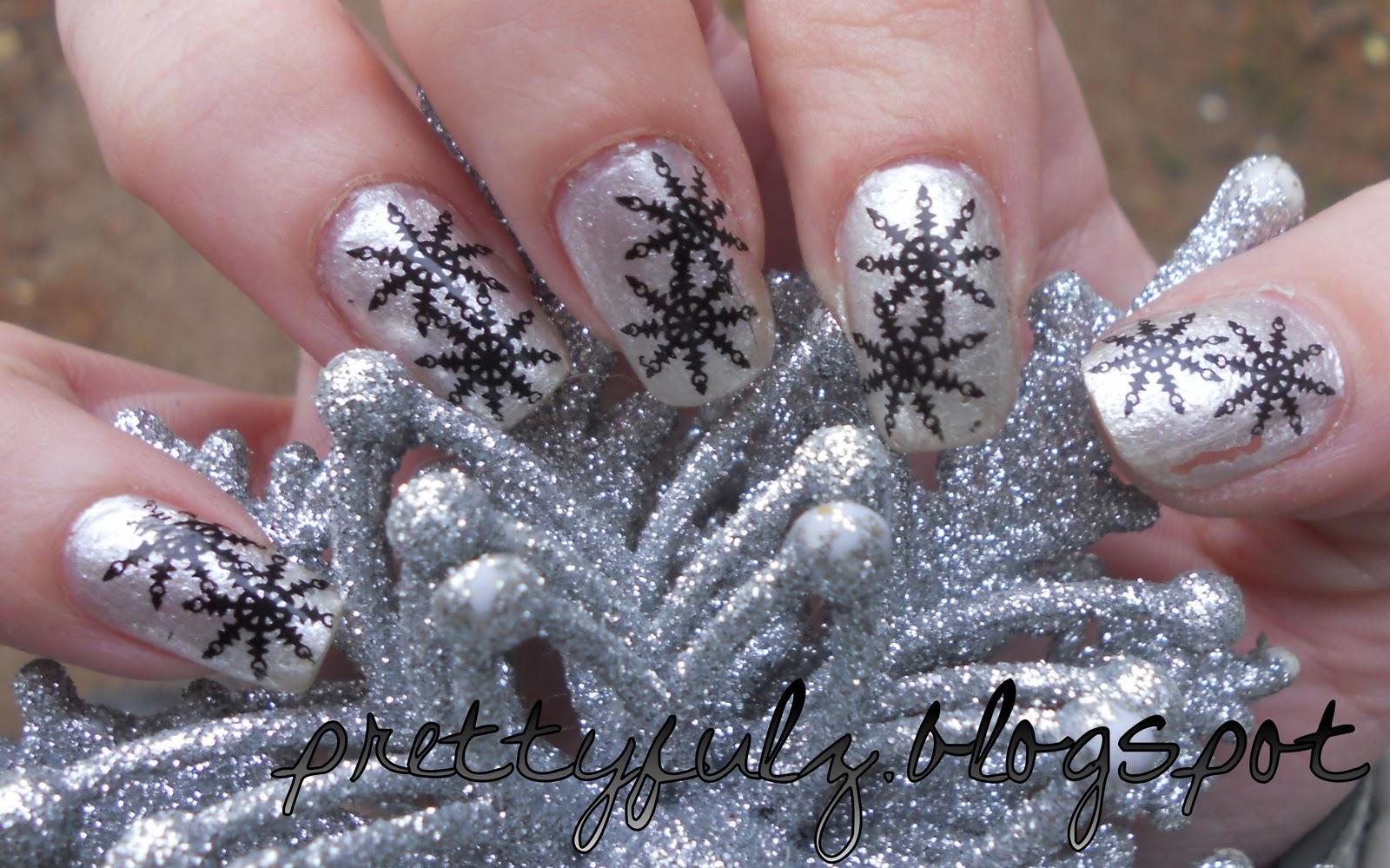 Prettyfulz: SNOWFLAKE NAIL ART DESIGN | Winter Nail Art Design