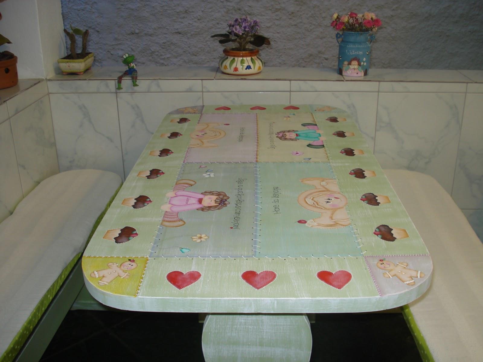 mesa por isso resolvi pintar em estilo country ela era cor de madeira  #66463E 1600x1200