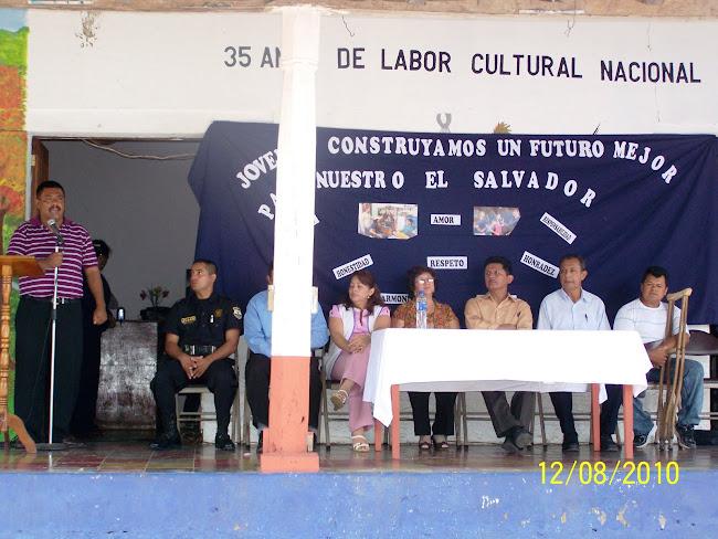 Personas de las diferentes Organizaciones honraron con su presencia en la mesa de honor