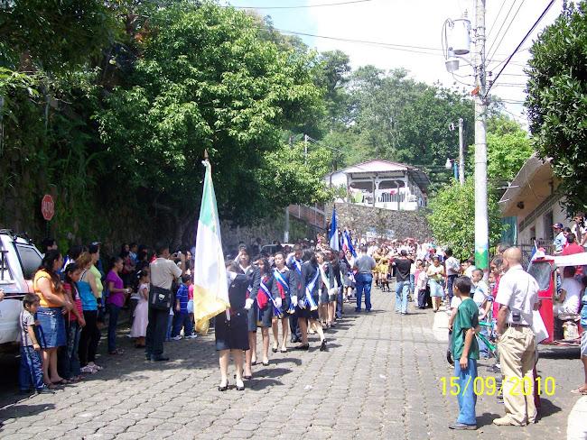 El Pabellón del Centro Escolar en el Desfile Cívico