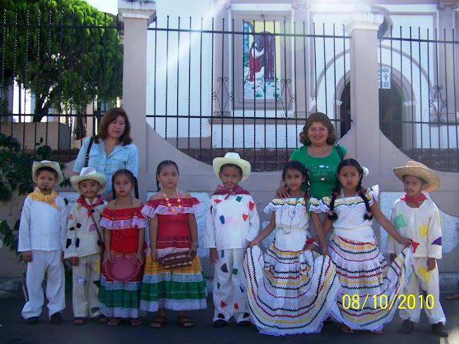 Los Niños y Niñas de Parvularia y sus Docentes