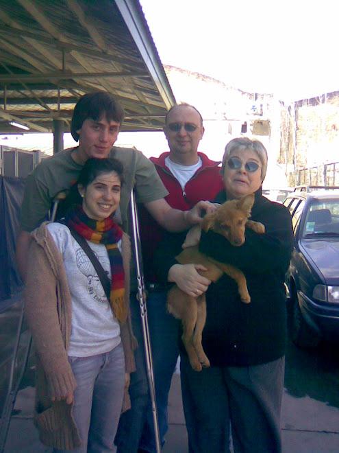 Camila vino con su familia al Centro de Salud y Zoonosis para adoptar