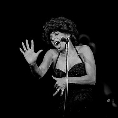Shirley Bassey - Vehicle