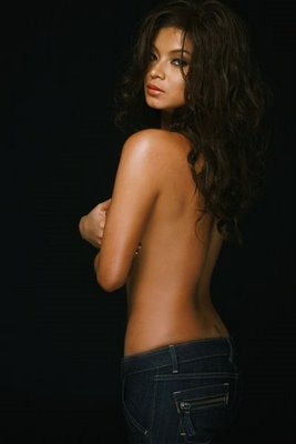 Sarap Mong Kantutin http://philippinebalita.blogspot.com/2010/10/angel-locsin-pictures-hot-folded-and.html