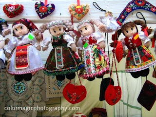 Traditional dolls in folk costumes from Kalotaszeg
