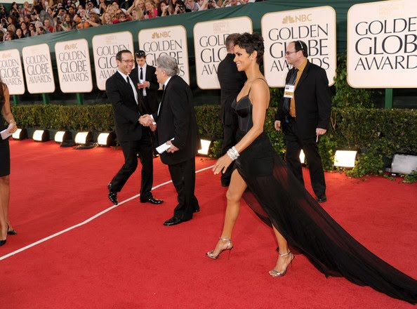 Golden Globes Red Carpet 2011 Halle Berry. ~The 2011 Golden Globes Red