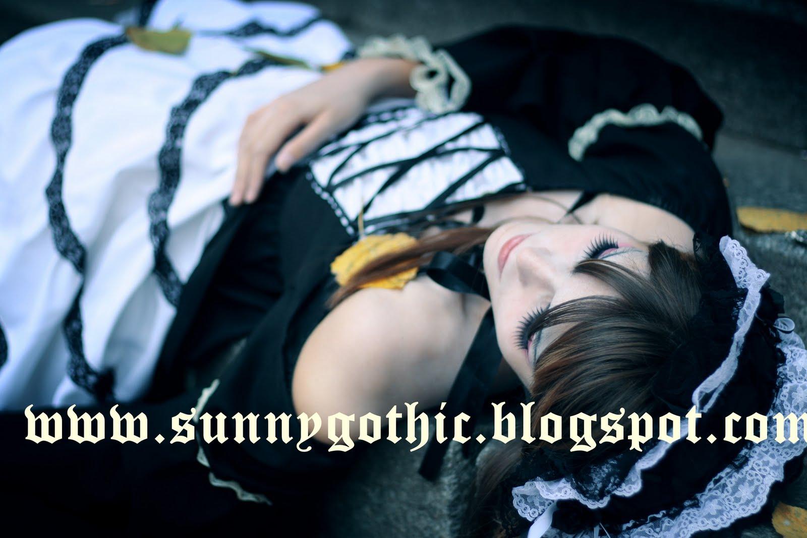 http://2.bp.blogspot.com/_7qQkPoB4Mrg/TK0cP54j5-I/AAAAAAAAAEg/LrIuB1Sr6Bk/s1600/Gothic%2BDoll.jpg