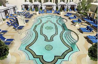 ceasers palace garden of the gods2 Las piscinas en los hoteles de Las Vegas