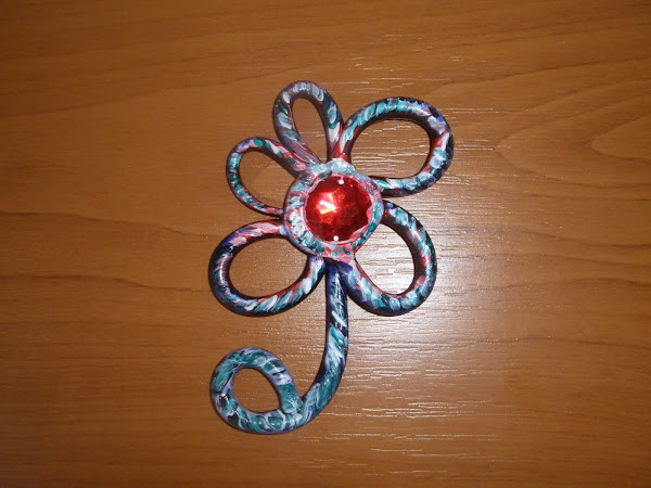 medalion lucrat manual cu strass
