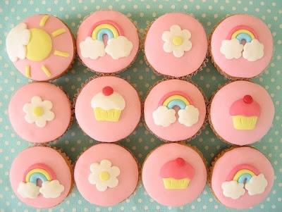 cupcakes cartoon background. x Cartoon+cupcakes+with+