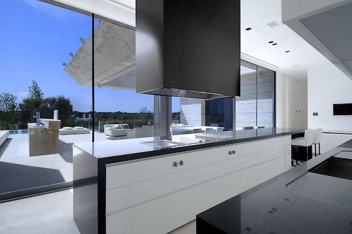 Modern+Architecture-+La+Finca+Residence+in+Madrid+(7).jpg