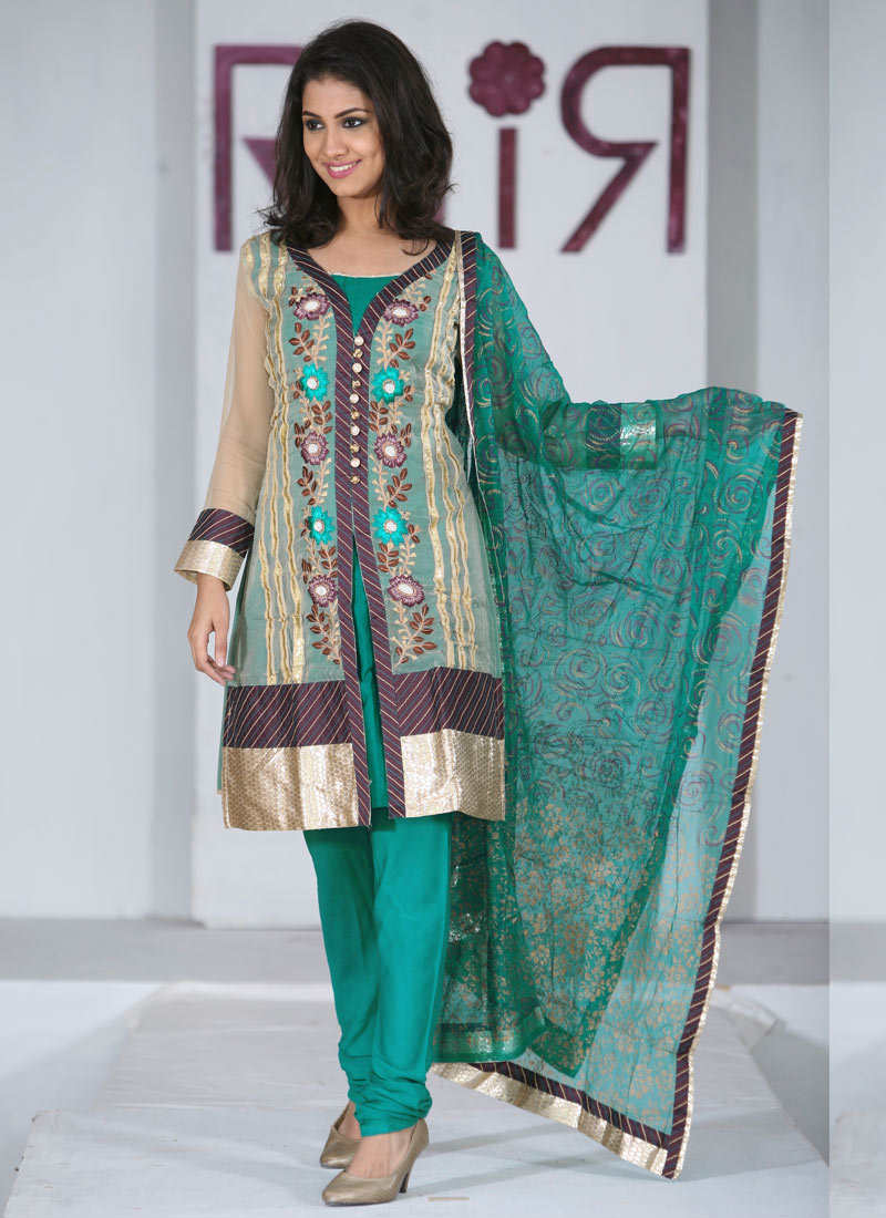 Eid salwar kameez designs 2010 11 for girls for Girls suit design