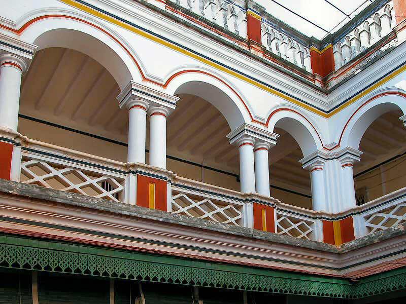 Beautiful chettinad palace and houses amazing architecture for Amazing architecture houses