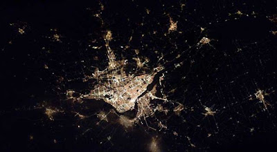 Cities at night seen from space despadani el paso texas and juarez mexico voltagebd Image collections