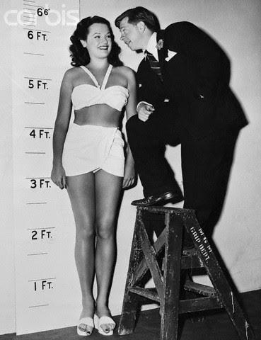 Nice Bikini Girls: Dorothy Ford