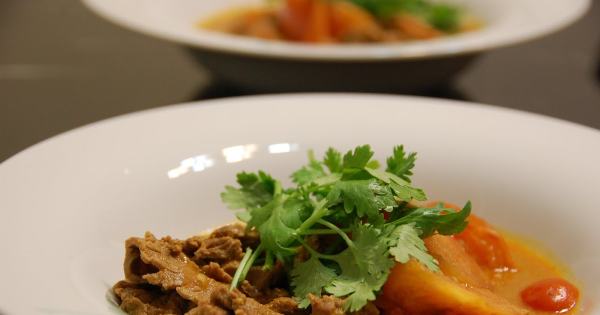 Dainty Bites: Thai Red Beef Curry